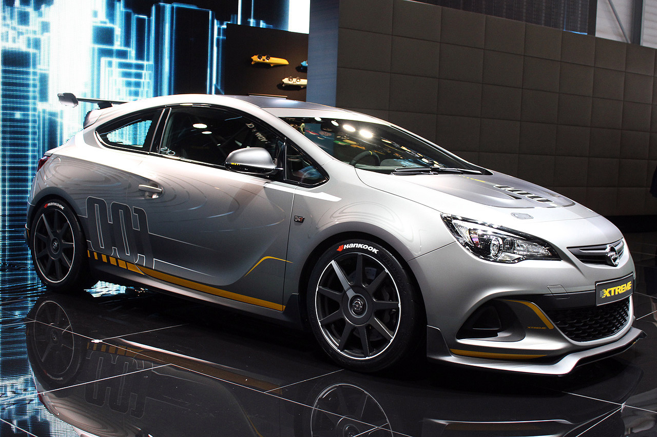 2010 Opel Astra OPC Extreme photo - 3