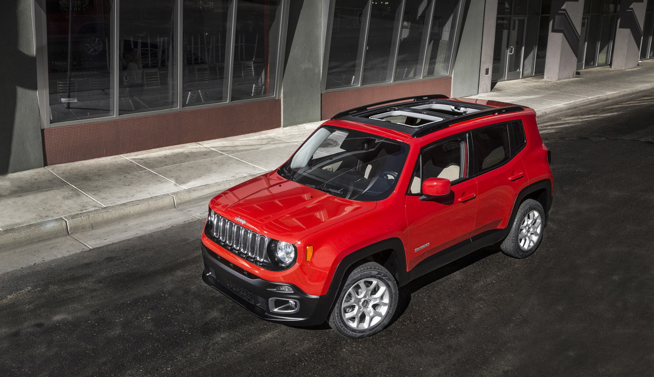 2015 jeep renegade first vehicle to blend jeep and fiat design. Black Bedroom Furniture Sets. Home Design Ideas