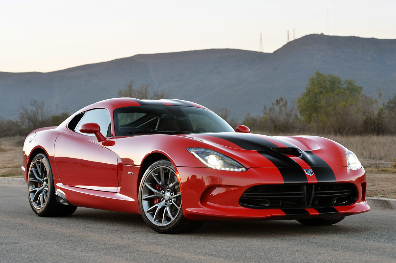 2014 srt viper gts review photo gallery autoblog. Black Bedroom Furniture Sets. Home Design Ideas