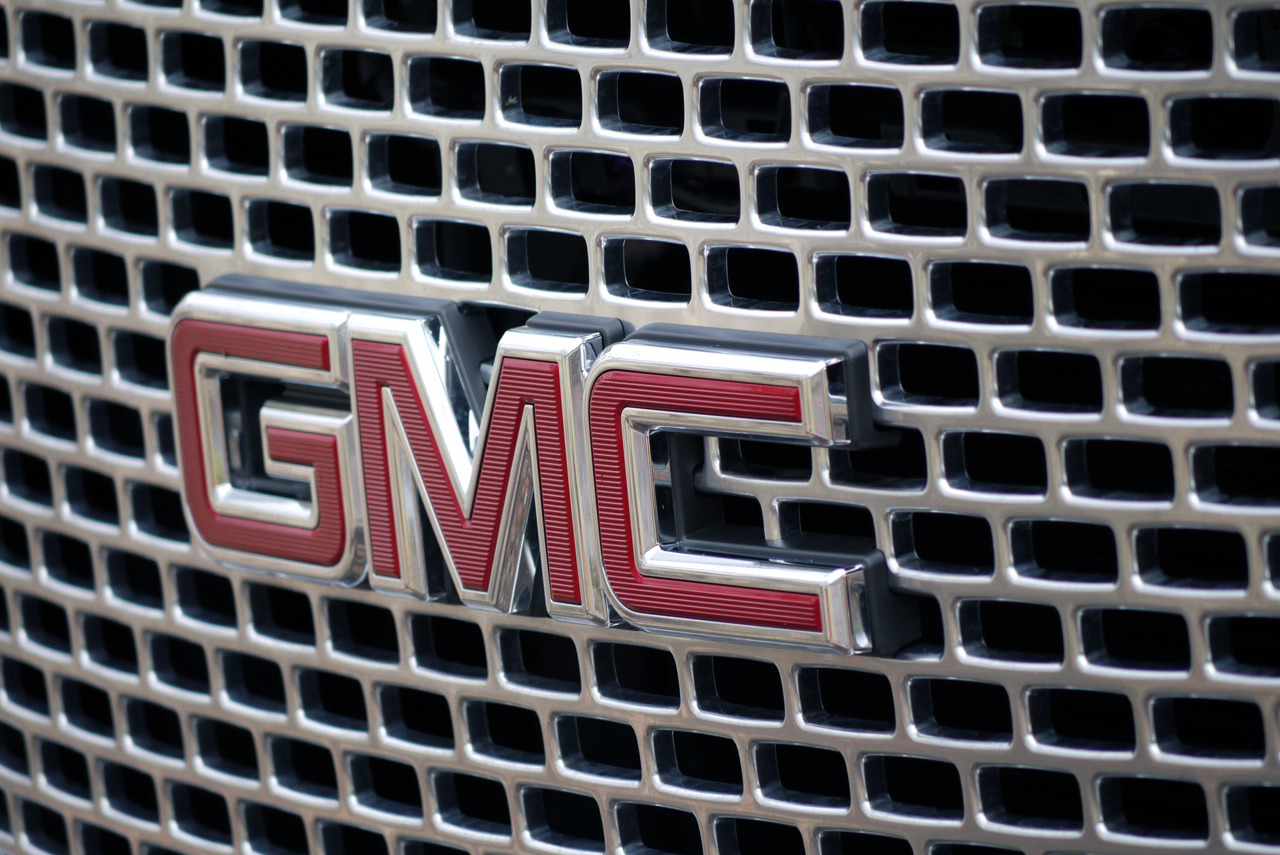 2015 gmc yukon denali quick spin photos