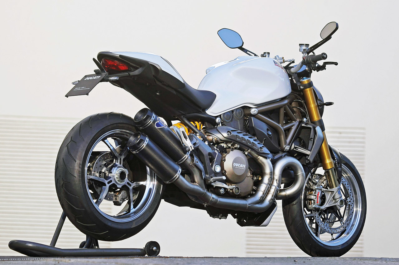 2014 ducati monster 1200 s first ride photo gallery. Black Bedroom Furniture Sets. Home Design Ideas
