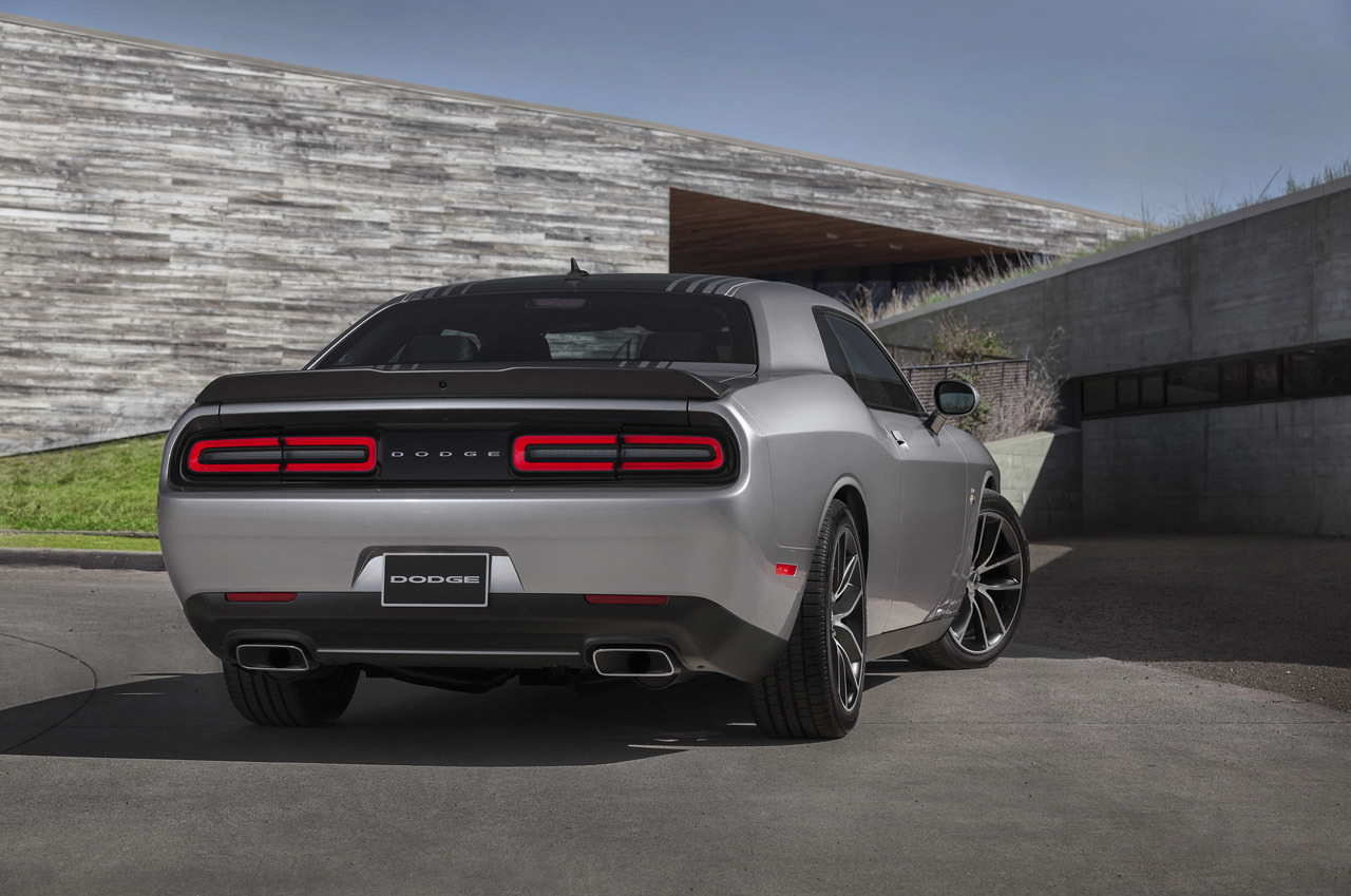 2015 dodge challenger 392 hemi scat pack shaker photo. Cars Review. Best American Auto & Cars Review