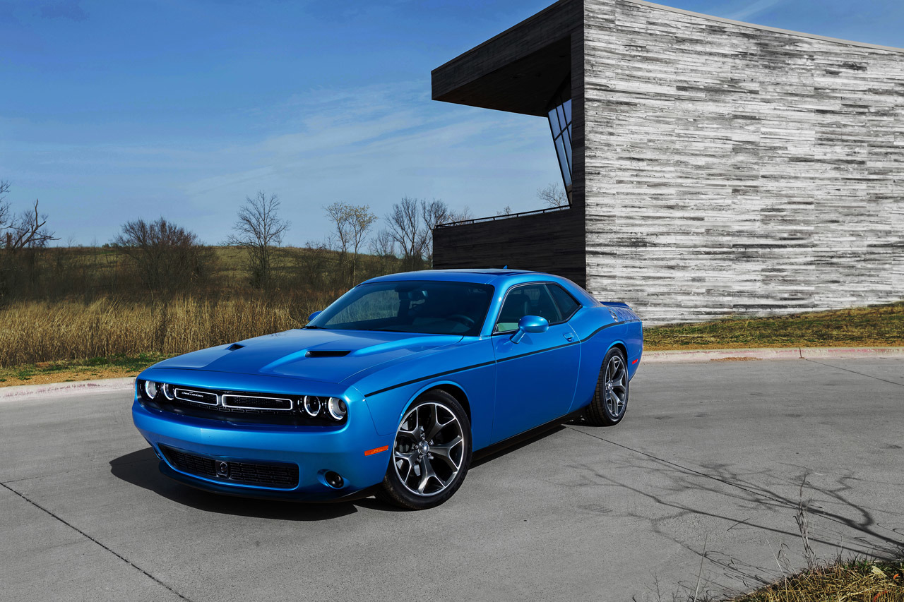 2015 dodge challenger colors