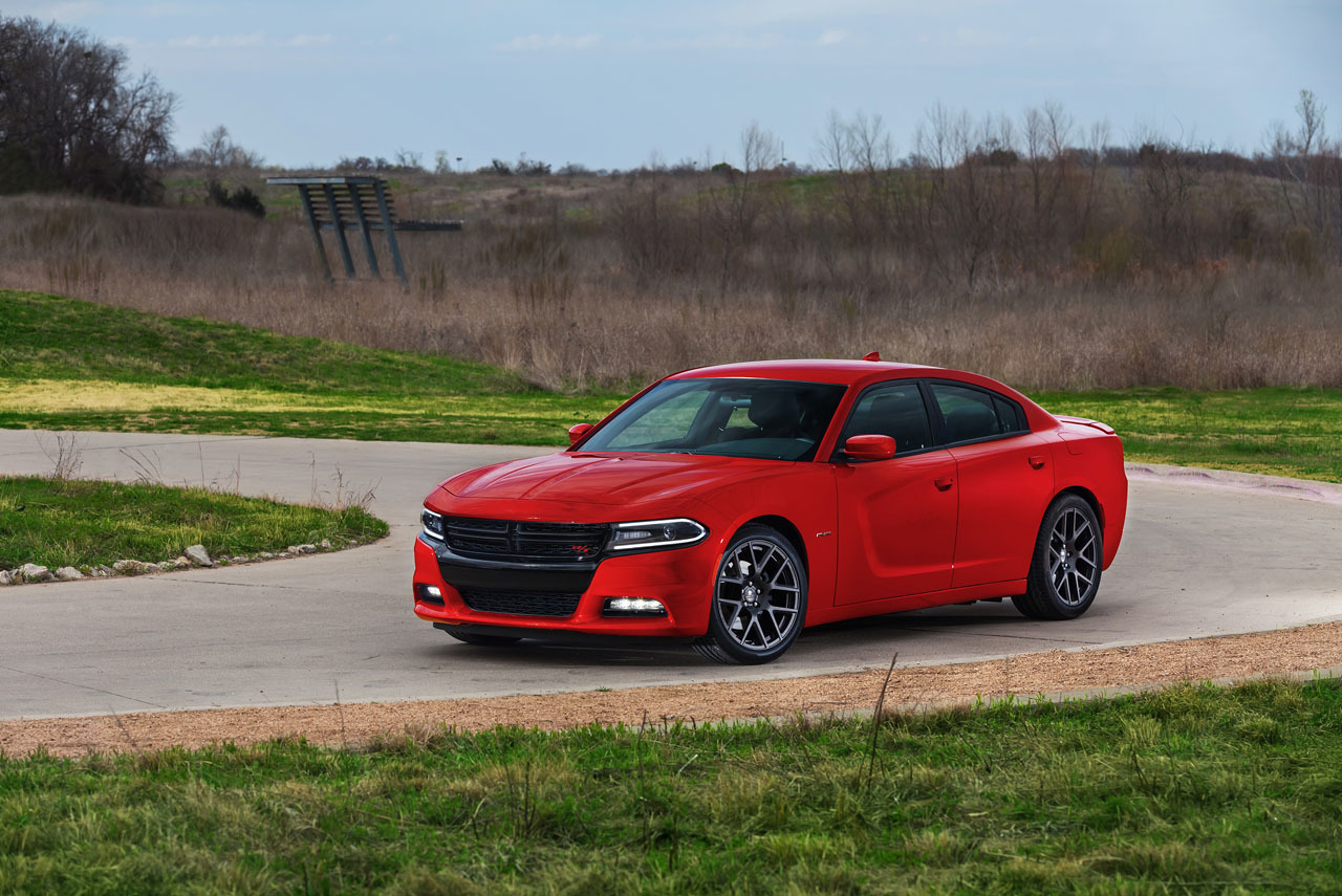 2015-dodge-charger-rt-003-1.jpg