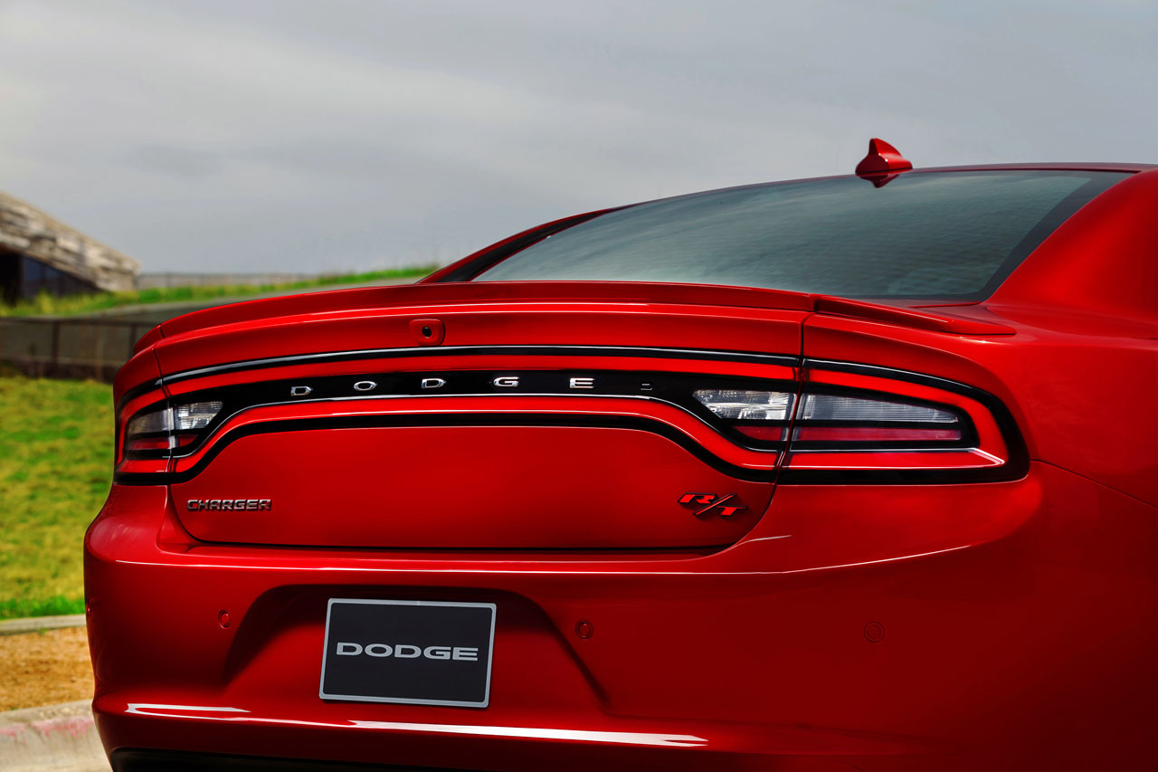 2015-dodge-charger-rt-015-1.jpg