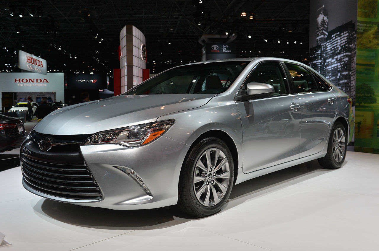 2015 toyota camry new york 2014 photo gallery autoblog. Black Bedroom Furniture Sets. Home Design Ideas