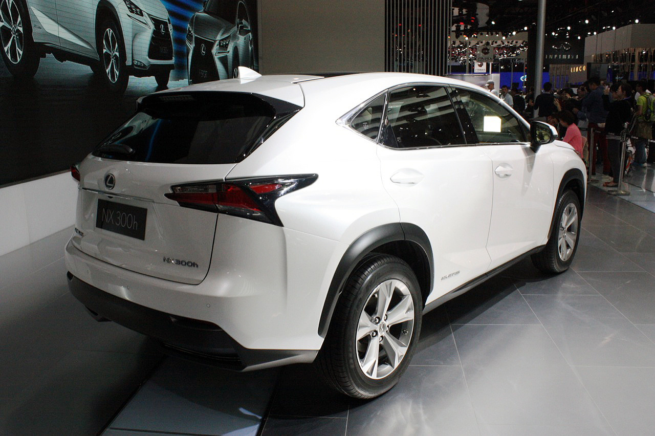 2015 lexus nx300h beijing 2014 photo gallery autoblog. Black Bedroom Furniture Sets. Home Design Ideas