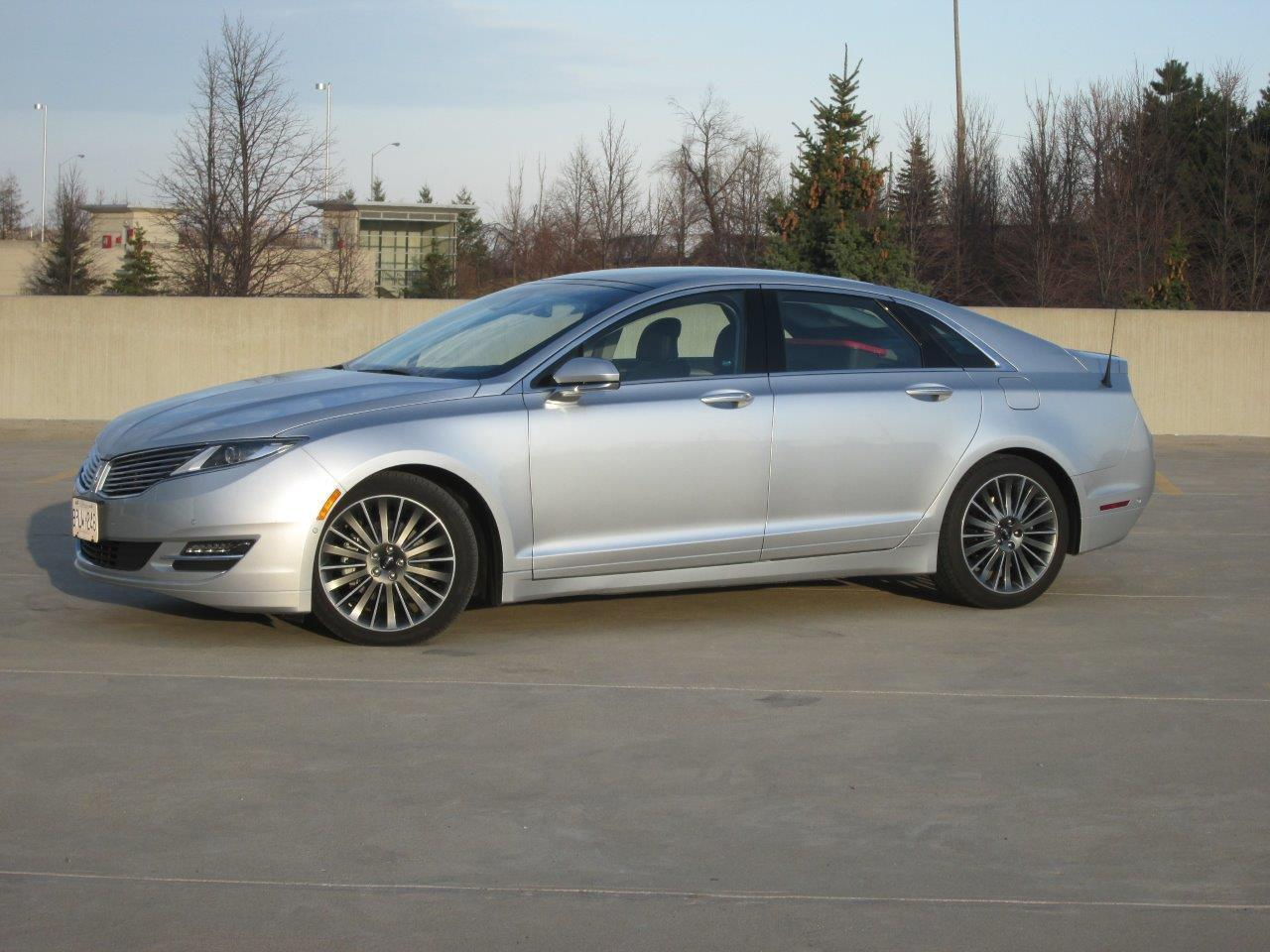 2014 lincoln mkz reviews pictures and prices us news autos post. Black Bedroom Furniture Sets. Home Design Ideas