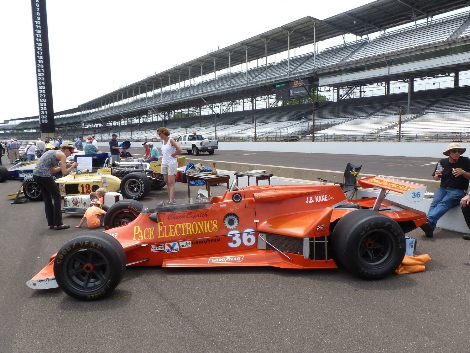 Vintage Indy Race Cars 104