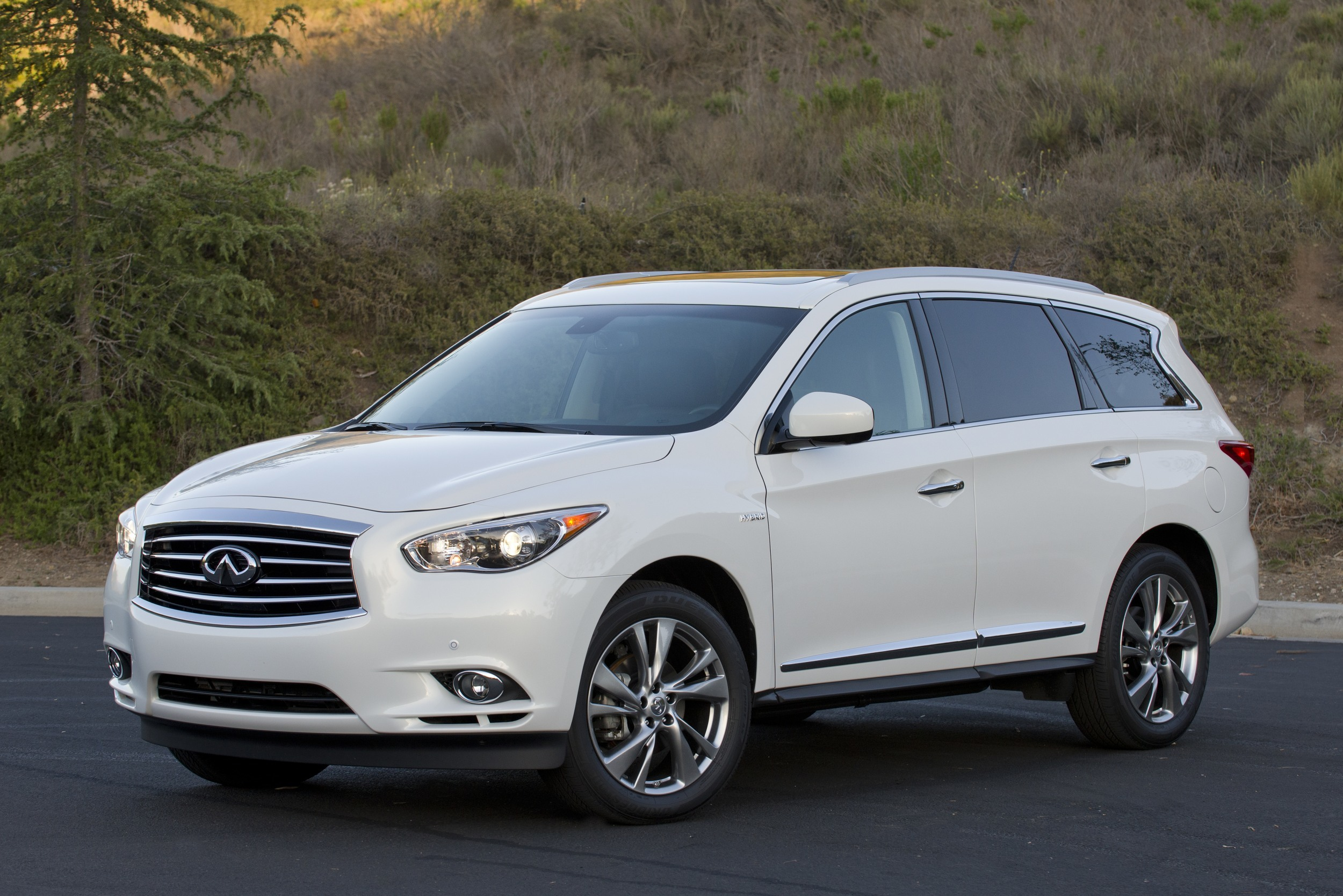 Infiniti Certified Pre Owned >> 2014 Infiniti QX60 Hybrid AWD: Quick Spin Photo Gallery ...