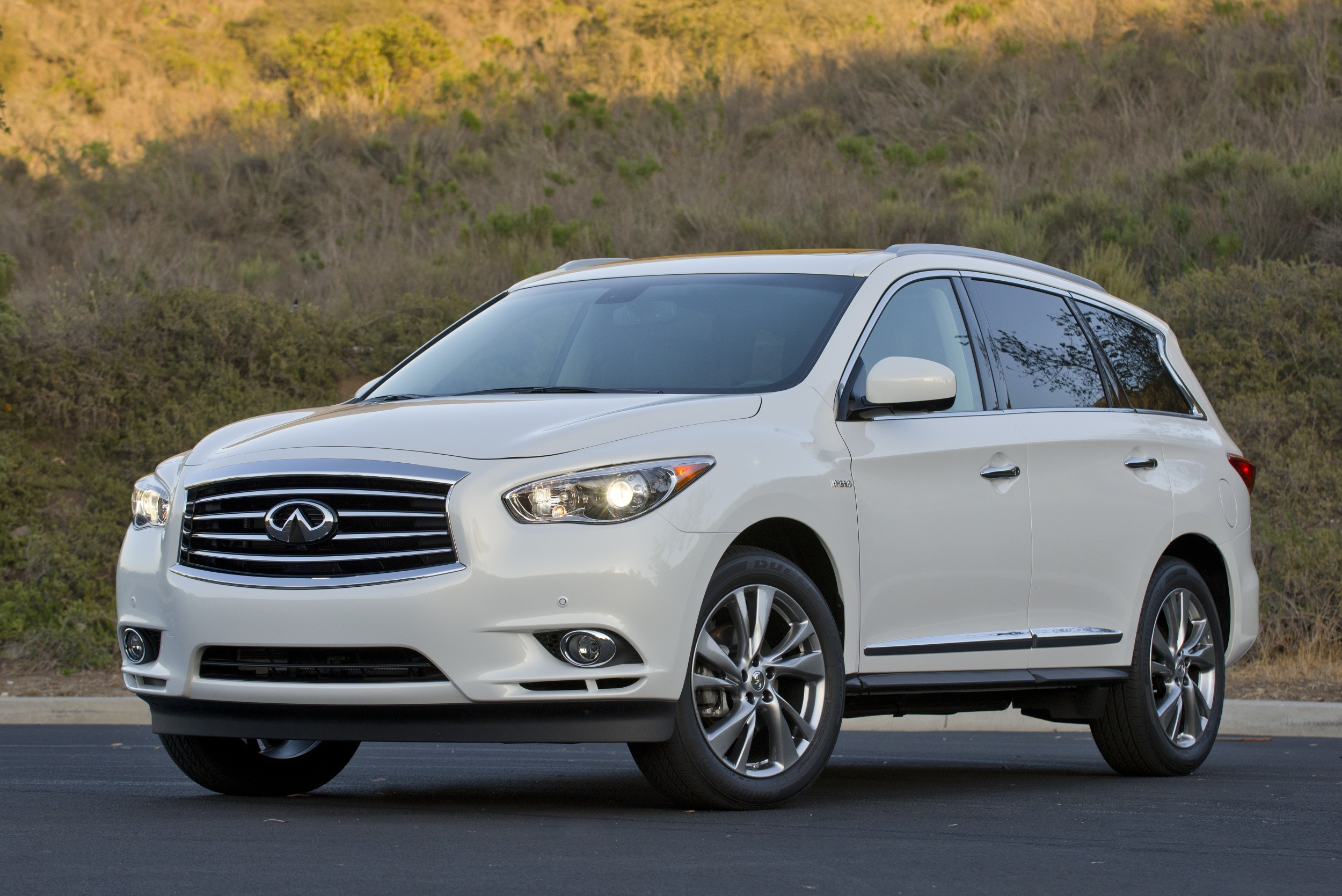2014 infiniti qx60 hybrid awd quick spin photo gallery autoblog. Black Bedroom Furniture Sets. Home Design Ideas