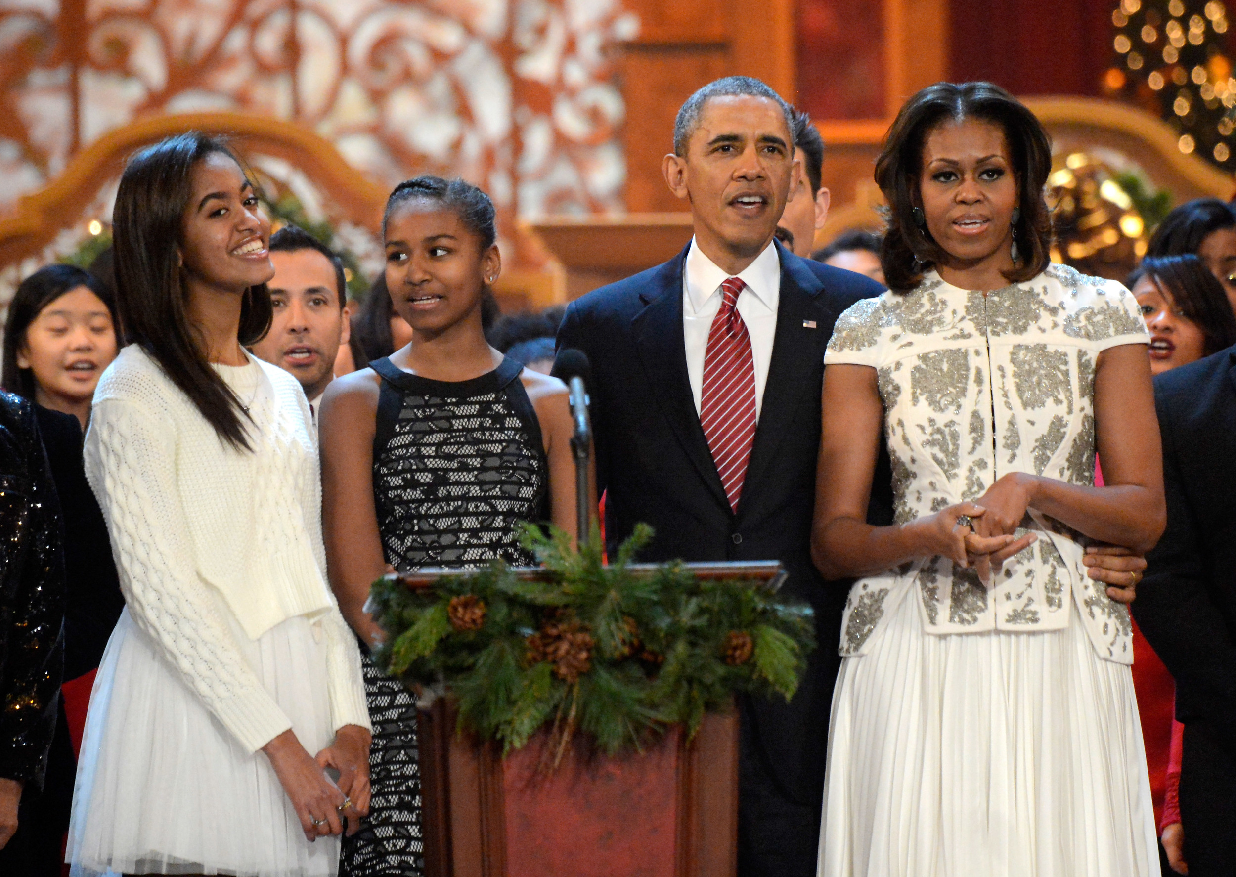 Obama reveals daughter Malia attended first prom