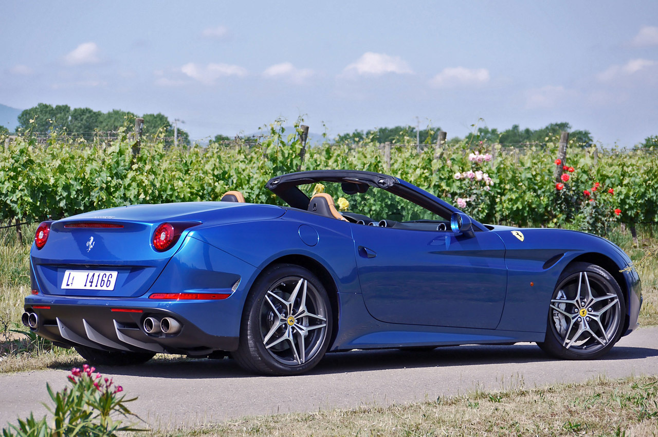 2015 ferrari california t first drive photo gallery autoblog. Black Bedroom Furniture Sets. Home Design Ideas