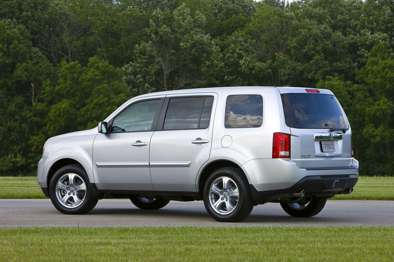 2015 honda pilot photo gallery autoblog for Honda pilot images