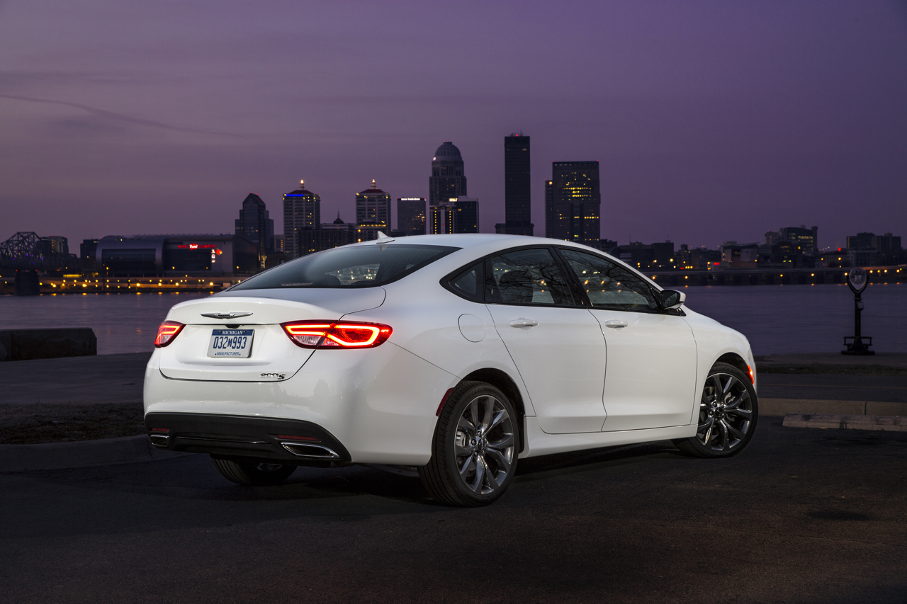2015 Chrysler 200 Photo Gallery Autoblog