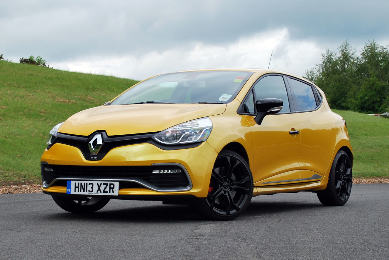 2014 renault clio rs 200 turbo quick spin photo gallery. Black Bedroom Furniture Sets. Home Design Ideas