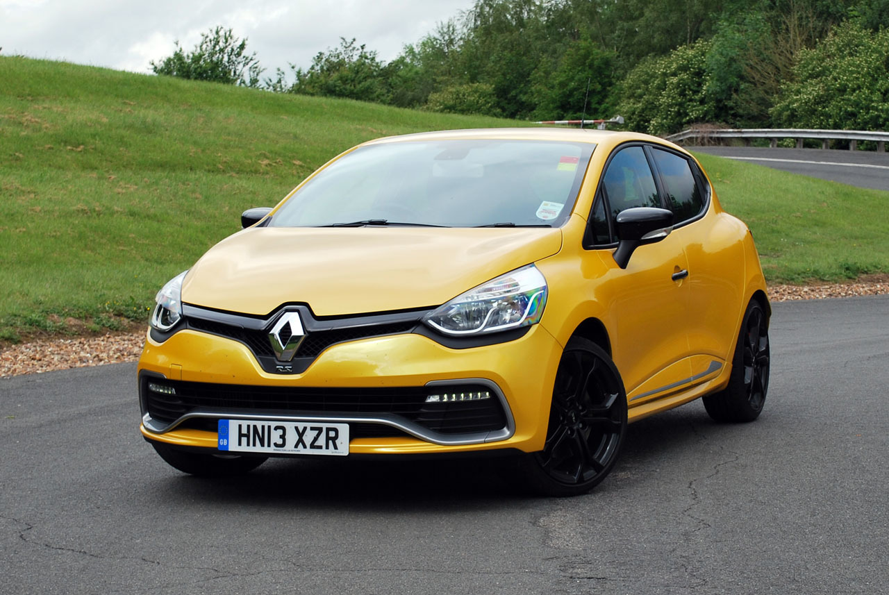 2014 renault clio rs 200 turbo quick spin photo gallery autoblog. Black Bedroom Furniture Sets. Home Design Ideas