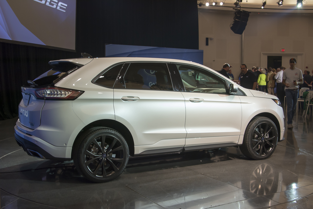 2015 ford edge ii page 2