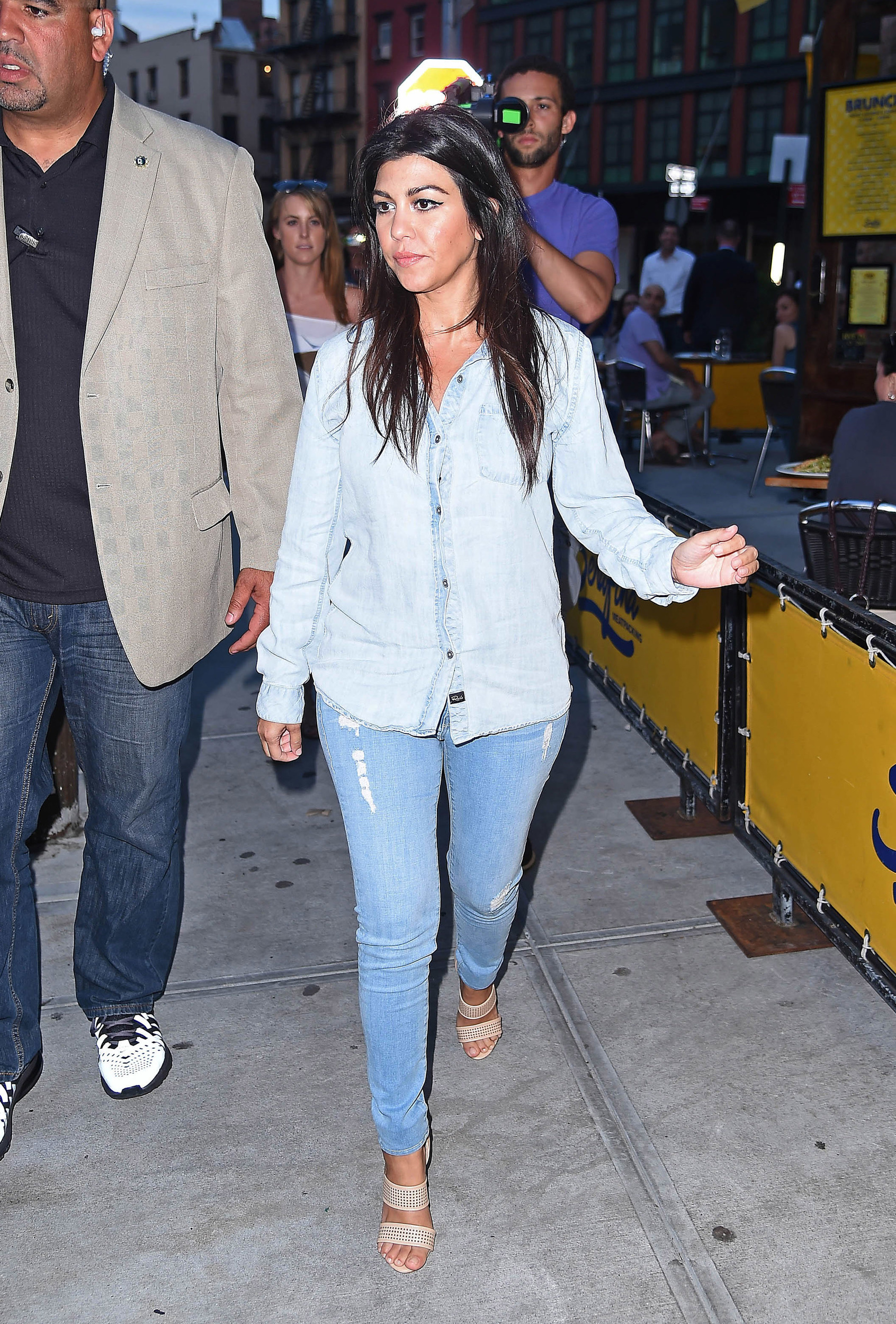 Kourtney Kardashian 39 S Casual Chic Style