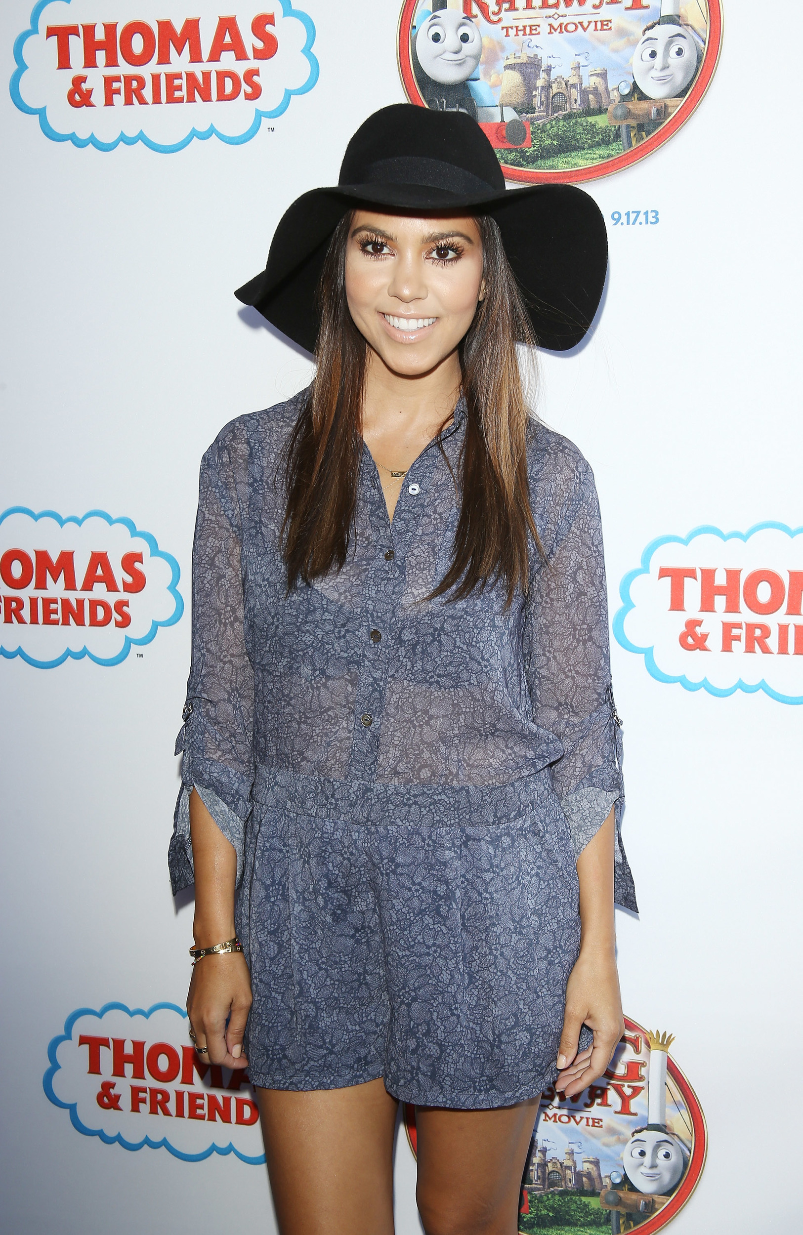 the gallery for gt kourtney kardashian casual style 2014