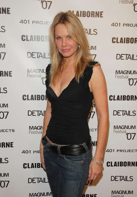 Who is Andrea Roth dating? Andrea Roth boyfriend, husband