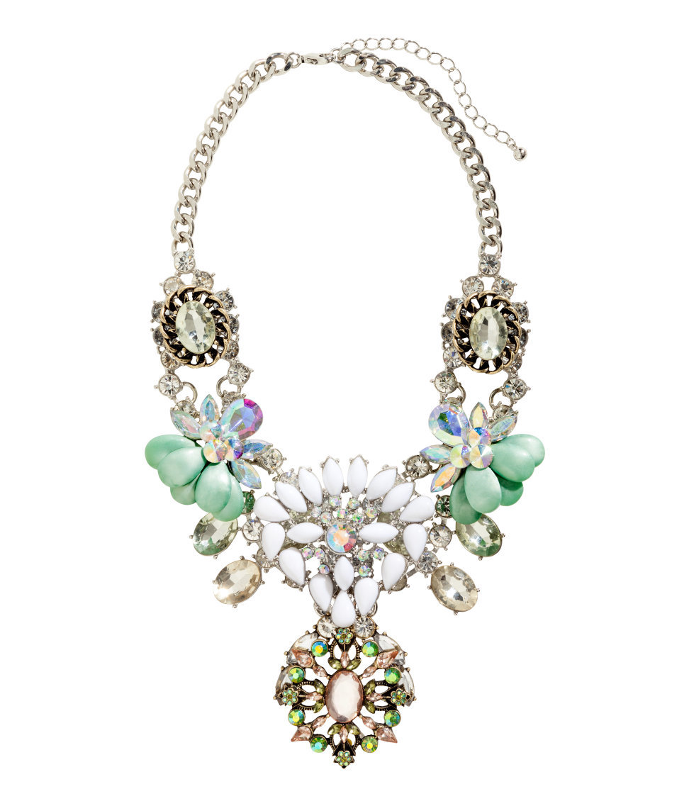 statement necklaces 11 affordable styles to dress up your