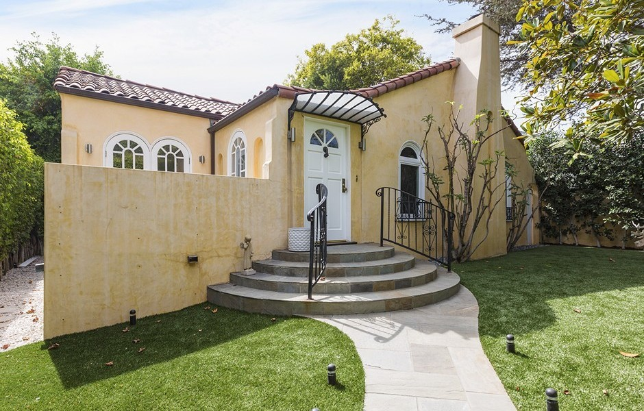 For sale faye dunaway 39 s art deco duplex for Zillow duplex los angeles