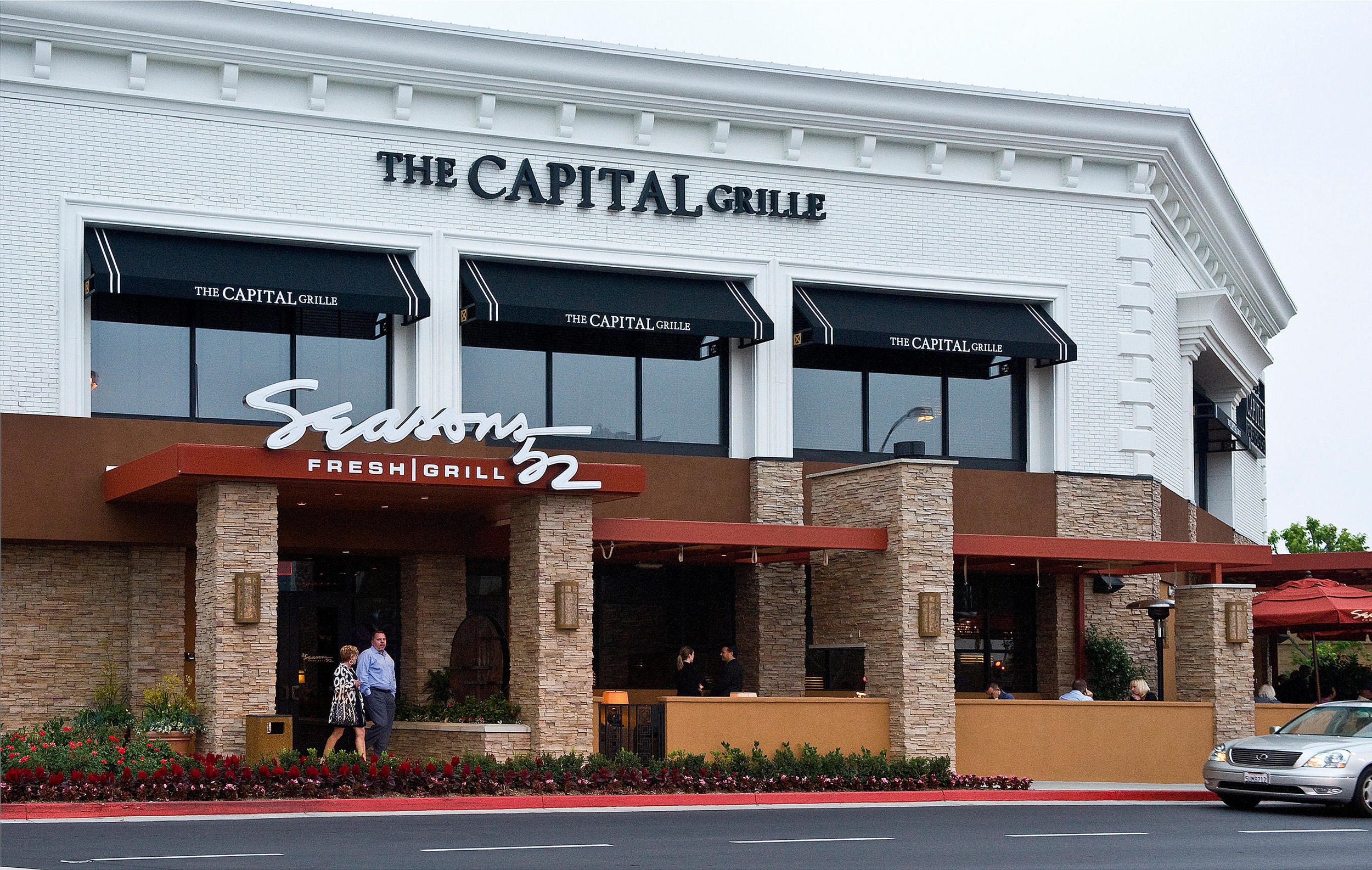 Darden ceo to step down amid olive garden troubles for Capital grille garden city menu