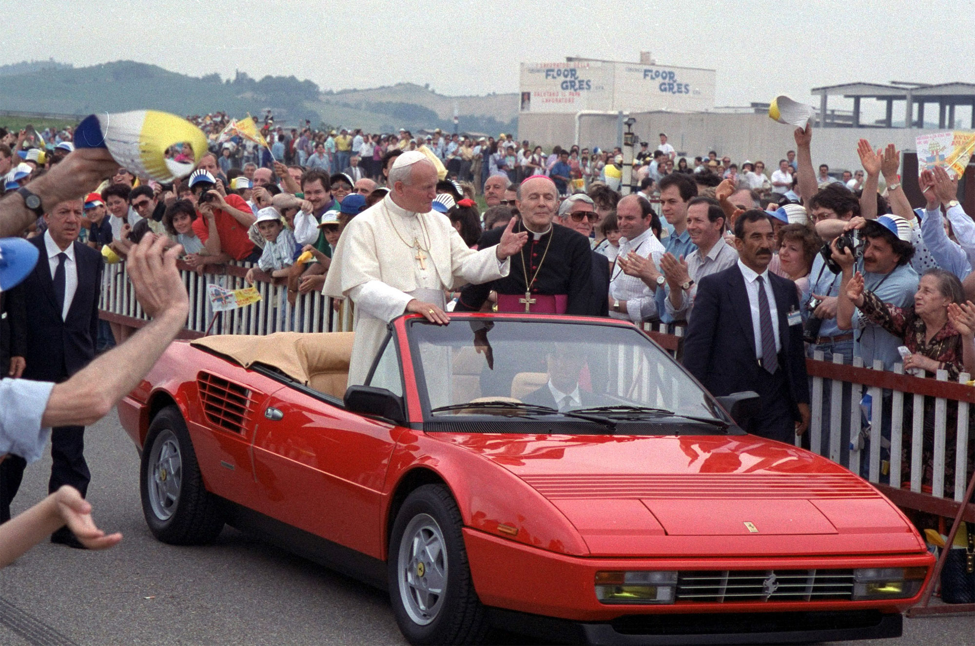 Pope Francis Choice Of Wheels Eschews Classic Popemobiles