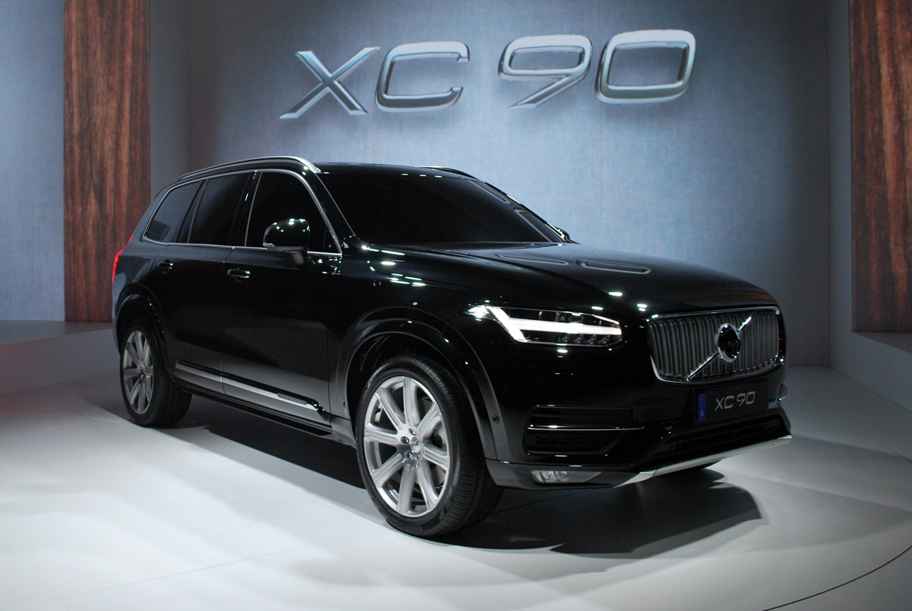 2015 volvo xc90 live black 01. Black Bedroom Furniture Sets. Home Design Ideas