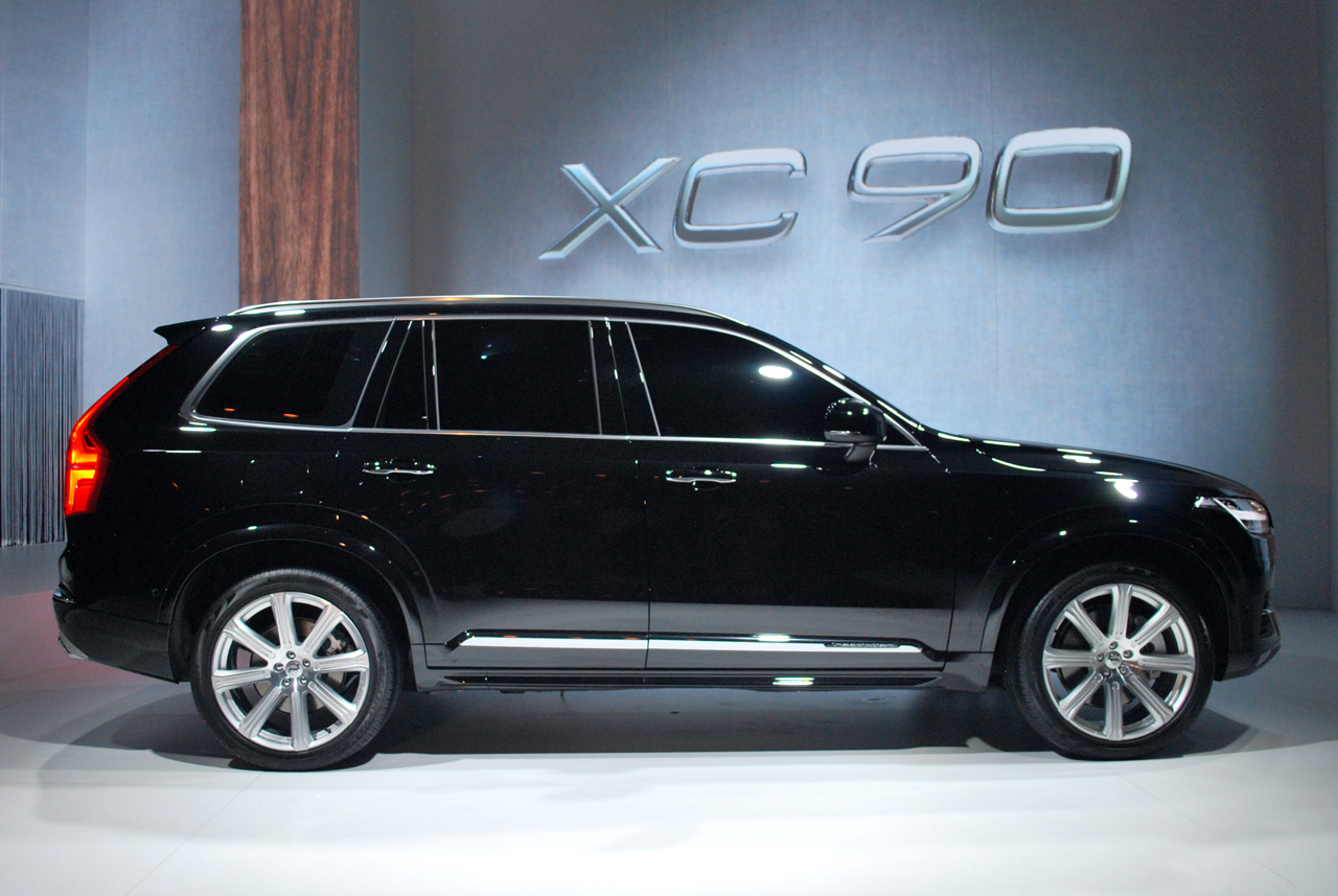 2015 volvo xc90 live black 09. Black Bedroom Furniture Sets. Home Design Ideas