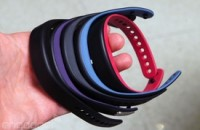 Garmin's Vivosmart is part fitness band, part smartwatch