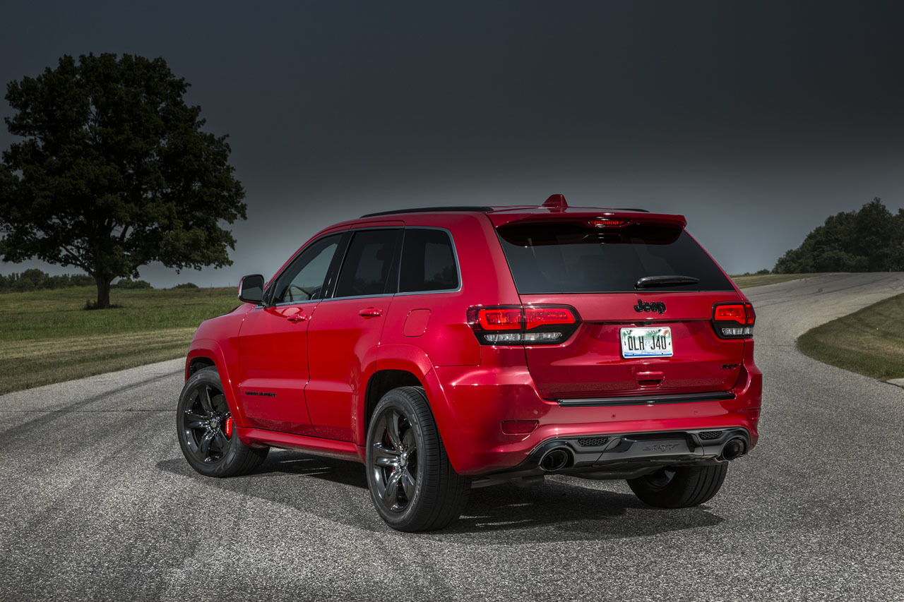 2015 jeep grand cherokee srt photo gallery autoblog. Black Bedroom Furniture Sets. Home Design Ideas