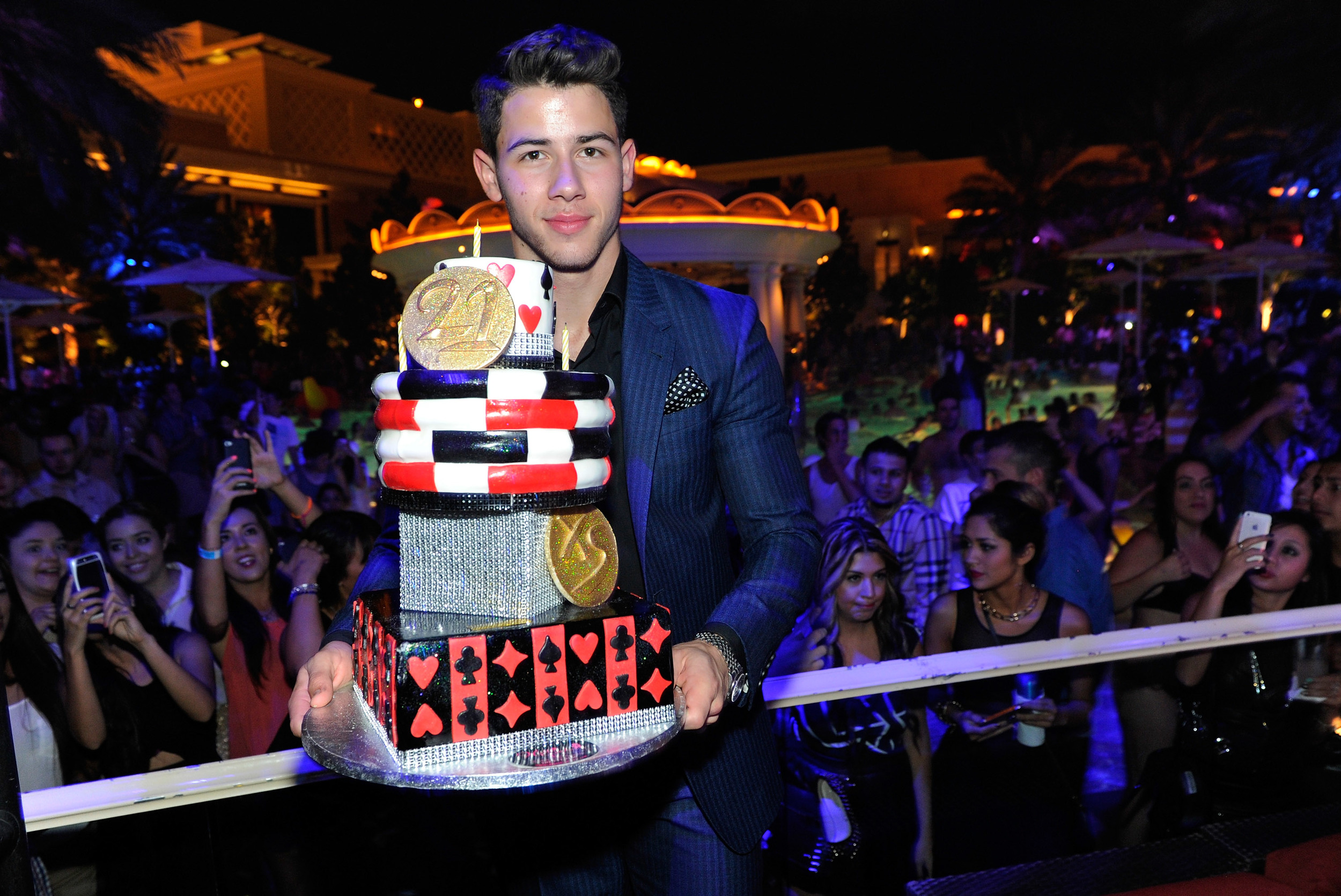 21st Birthday Party In Vegas Gigi Hadid Parties It Up For