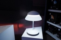Philips' Hue Beyond looks like a lamp, only smarter