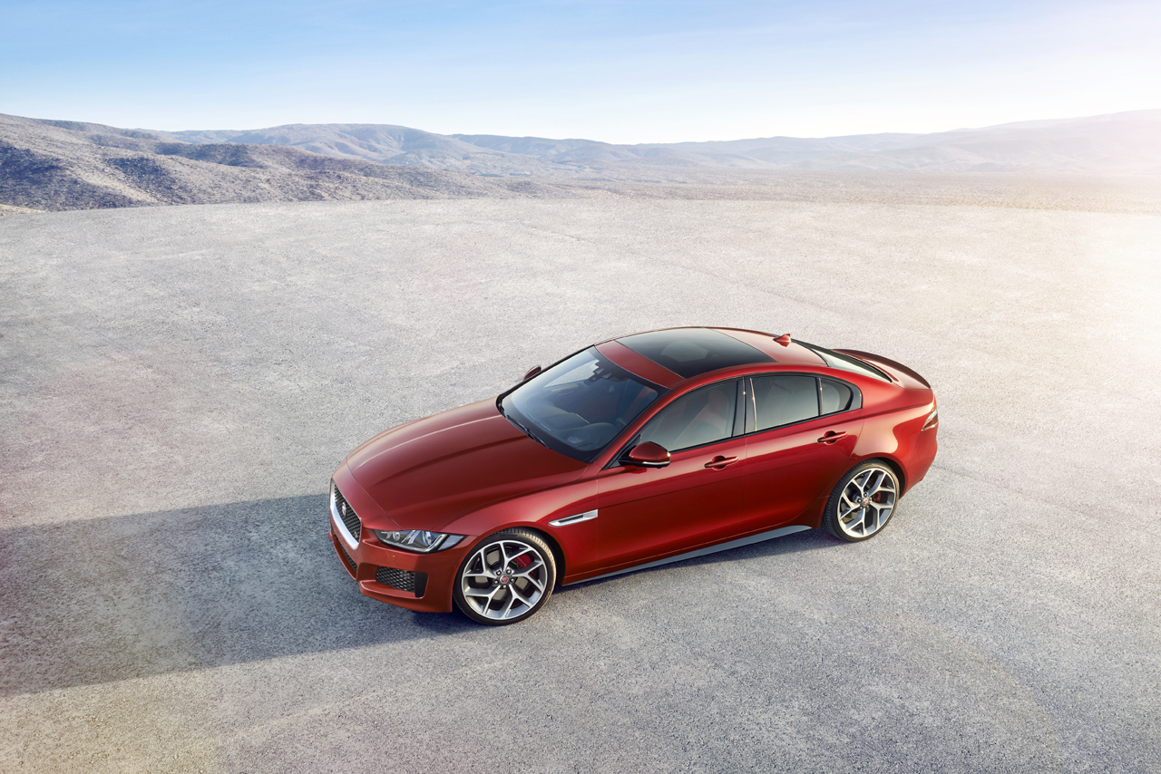 2016 Jaguar XE S Photo Gallery - Autoblog