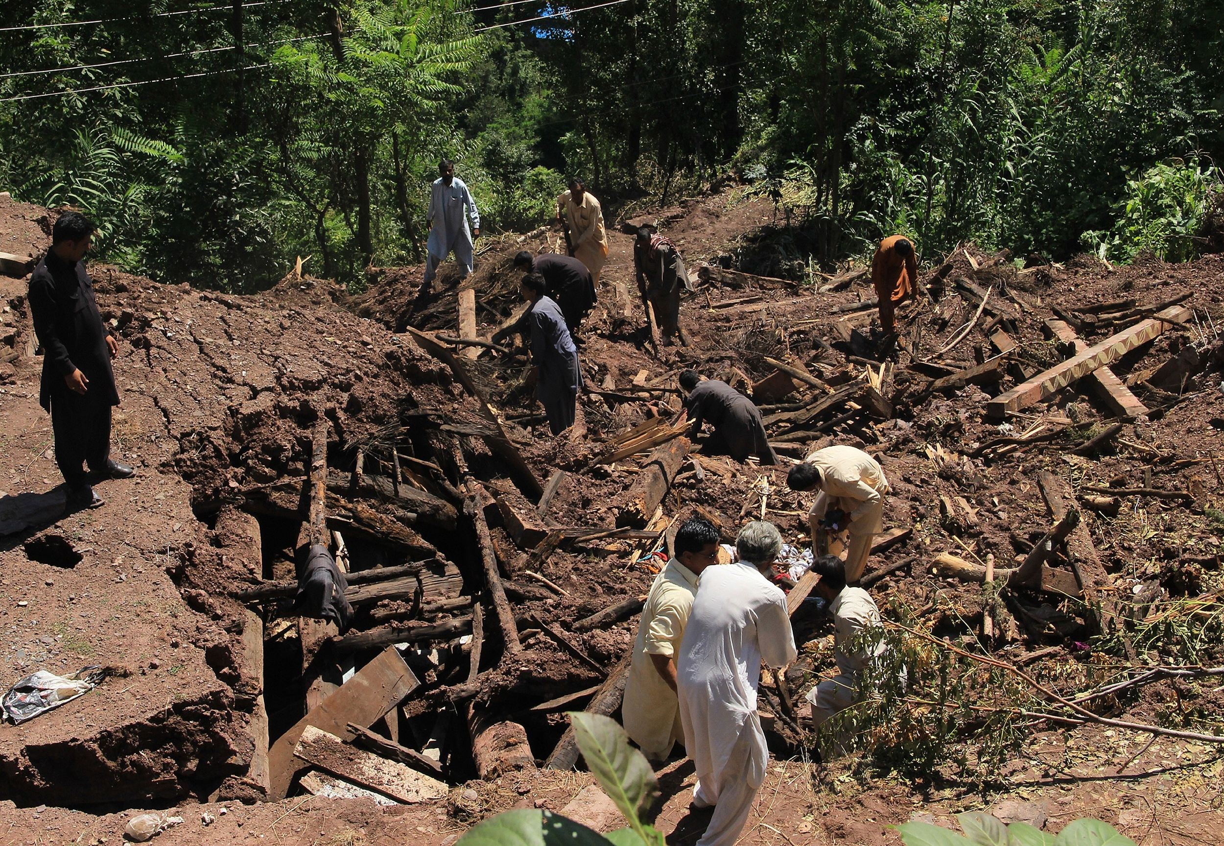 Aol com article death toll in india pakistan floods reaches 400