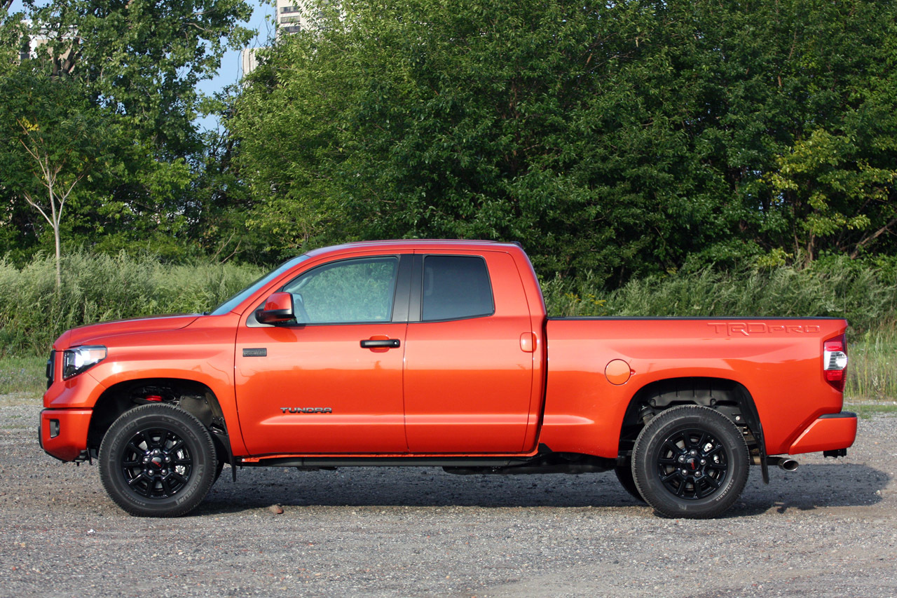 2015 toyota tundra trd pro quick spin photo gallery autoblog. Black Bedroom Furniture Sets. Home Design Ideas