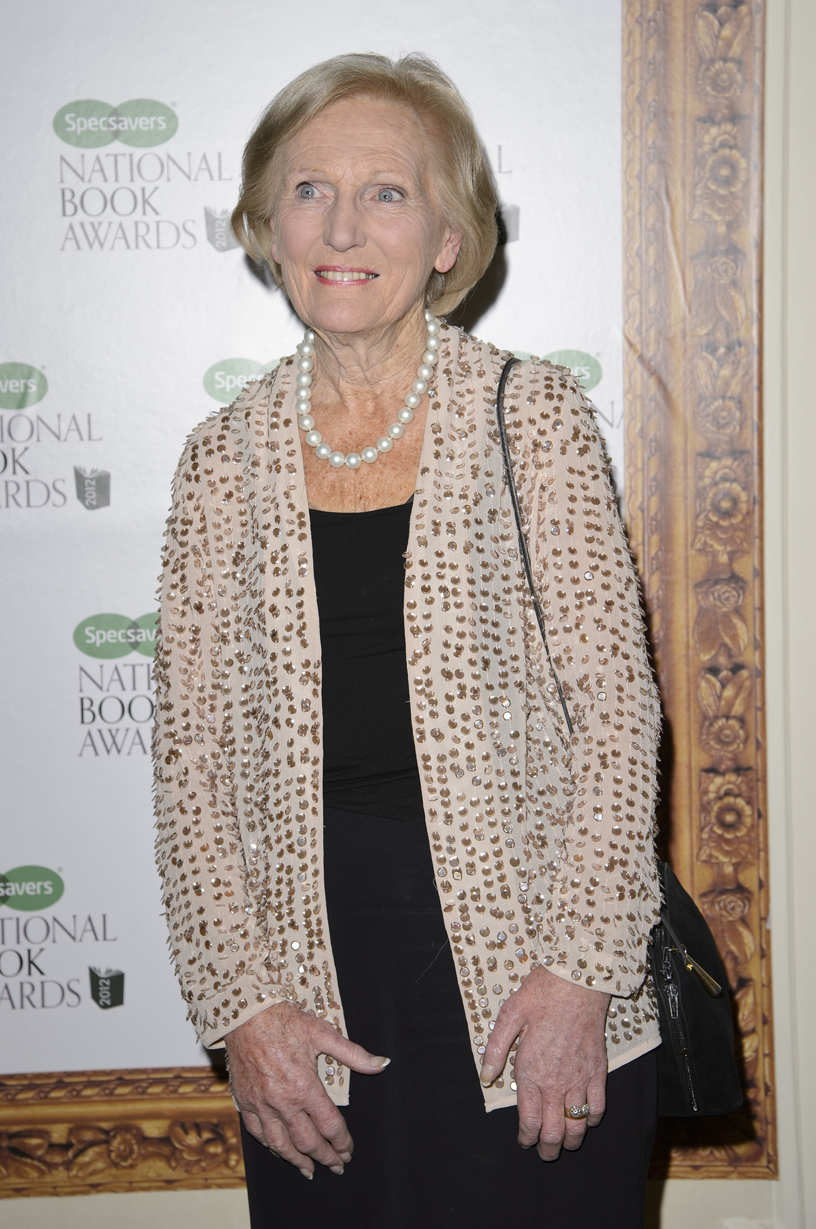 Mary berry the style icon mydaily uk for Mary berry uk