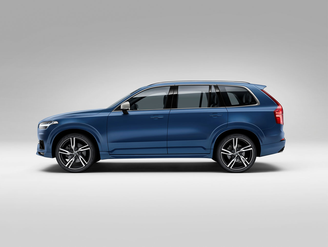 2015 volvo xc90 r design photo gallery autoblog. Black Bedroom Furniture Sets. Home Design Ideas