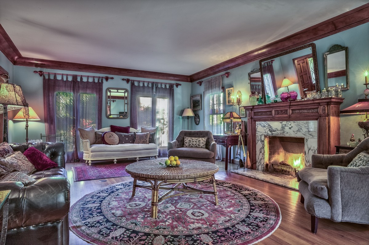 Sold star designer 39 s opulent historic hollywood house for Living room 6250 hollywood blvd