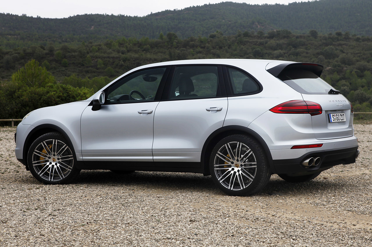 2015 porsche cayenne s first drive photo gallery autoblog. Black Bedroom Furniture Sets. Home Design Ideas