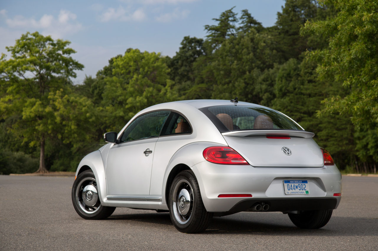 2015 volkswagen beetle classic photo gallery autoblog. Black Bedroom Furniture Sets. Home Design Ideas