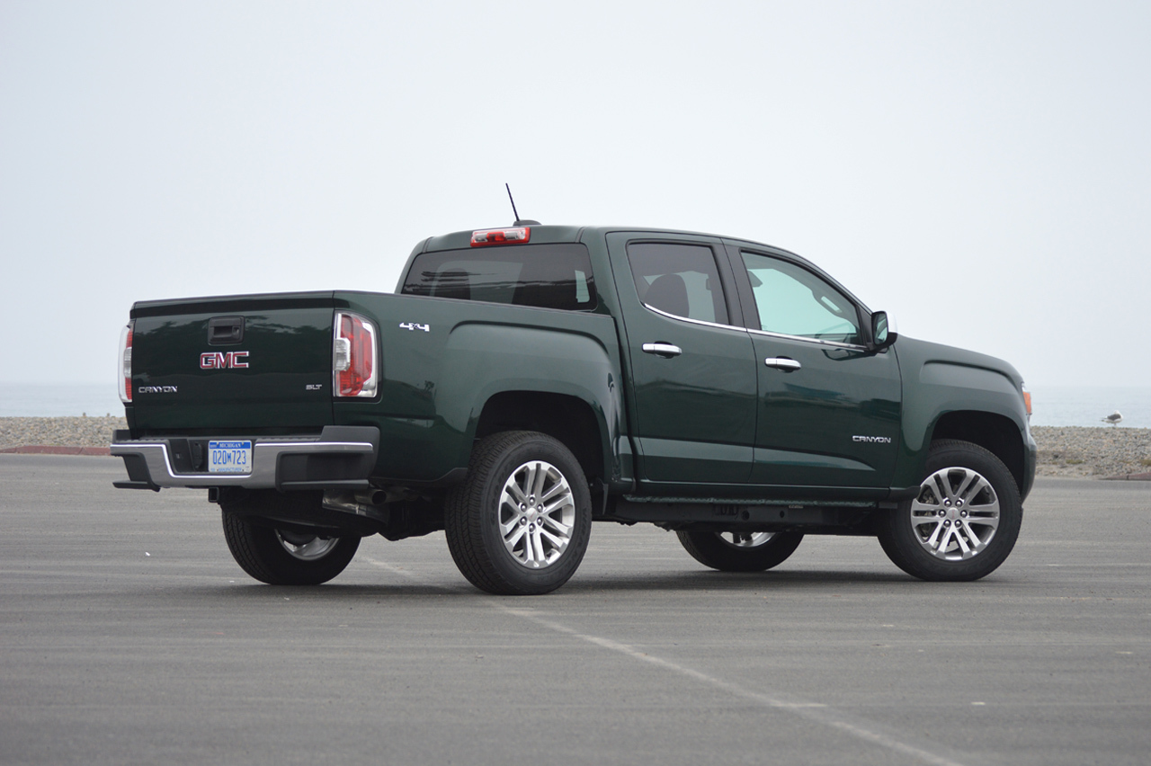 2015 gmc canyon quick spin photo gallery autoblog. Black Bedroom Furniture Sets. Home Design Ideas