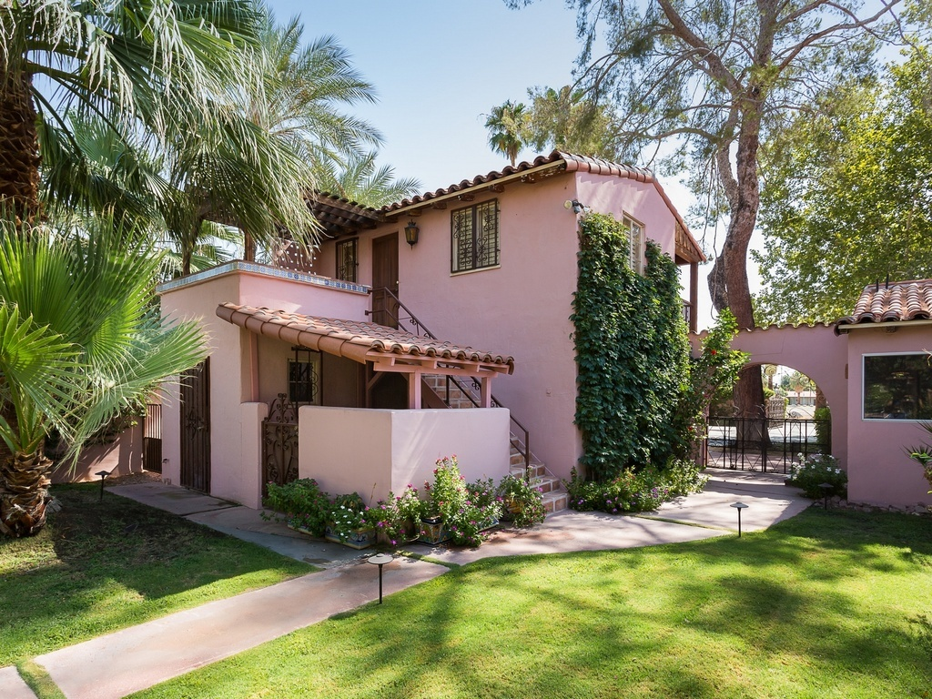 For sale gable and lombard 39 s former palm springs estate for Gables on a house