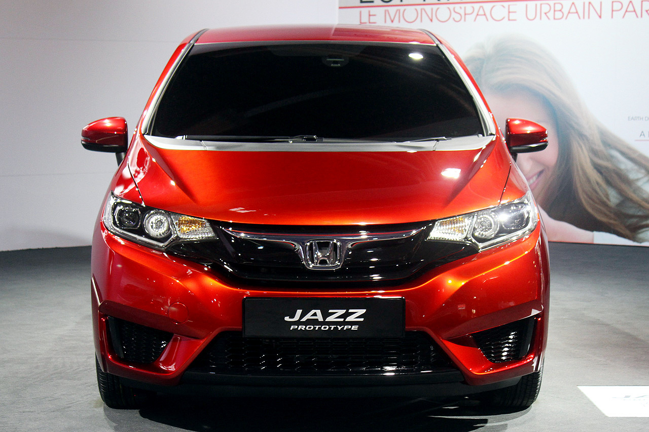 Now it s time to preview the production ready honda jazz known to american consumers as the recently released fit