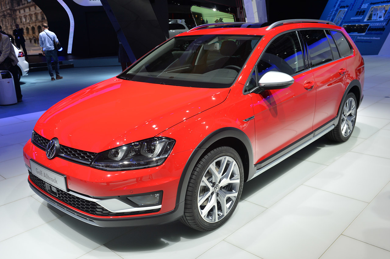 2015 volkswagen golf alltrack paris 2014 photo gallery autoblog. Black Bedroom Furniture Sets. Home Design Ideas