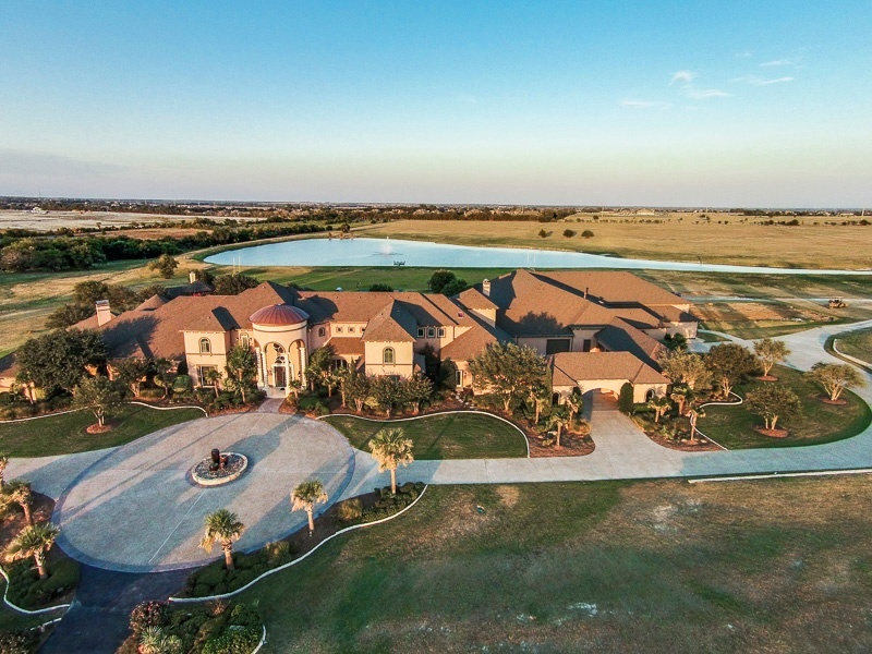 Deion Sanders Dazzling Former House Is Set For Auction