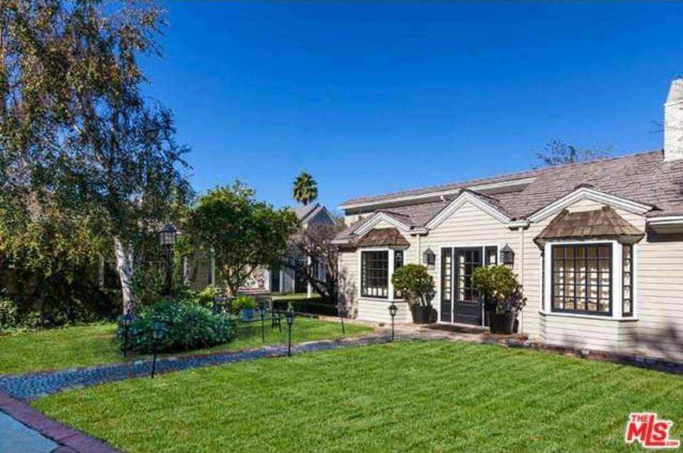 stephen collins lists brentwood compound for 5 5 million