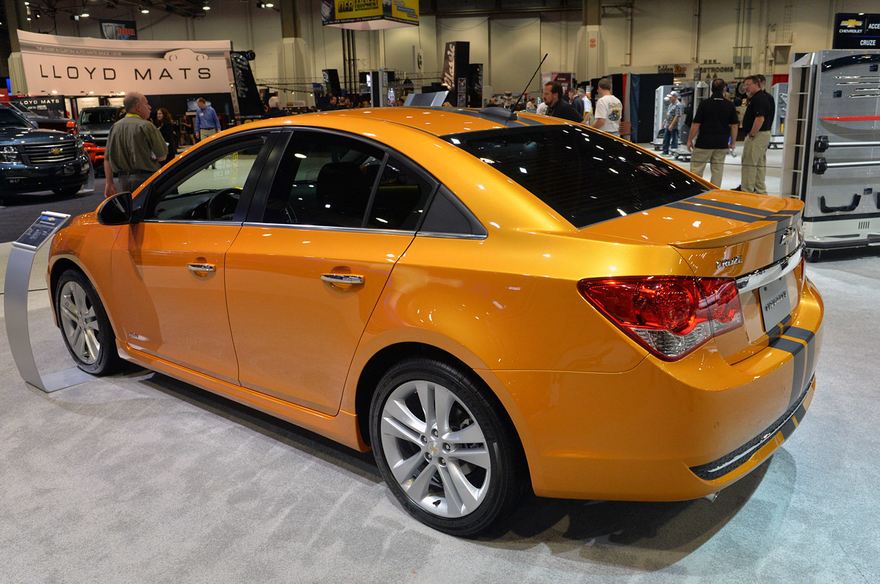 http://www.blogcdn.com/slideshows/images/slides/307/833/9/S3078339/slug/l/02-chevrolet-cruze-rs-plus-concept-1.jpg